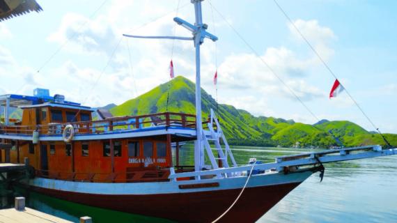 Jadwal & Harga Paket Wisata Open Trip Pulau Komodo Labuan Bajo 2 Hari 1 Malam Januari 2021